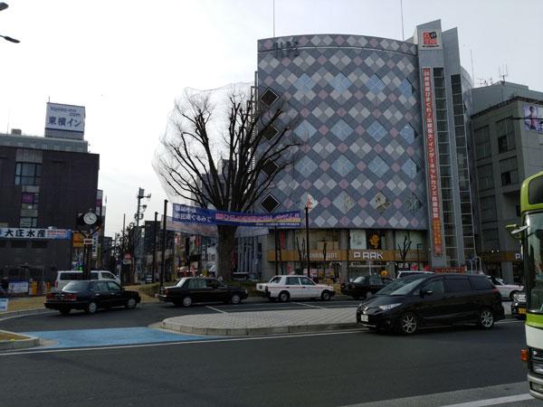 草加駅駅前の光景
