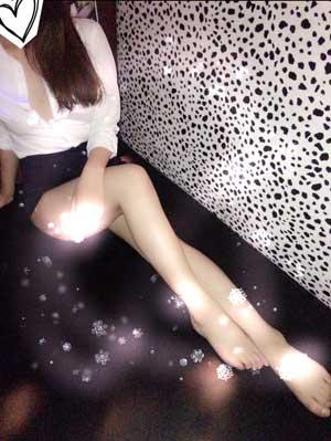 五反田ハーレムビート大人気のOL衣装の「左京」