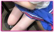 日曜日の渋谷『ドリームガール』は、【制服DAY】を開催コンセプトが毎日変わる夢のローテーション衣装、今日は王道の制服でお出迎え写真は公式ブログでGETした超スレンダーギャル「三浦」ちゃんのセクシーなおみ足♪ちっちゃかわいくて、よしよししたくなっちゃいますよ♪出勤は15時~受付時に「ピン探見た!」の一言で、フリーならオールタイム1500円OFF!2名以上なら2000円OFFでご案内!モバイル用お店ページ